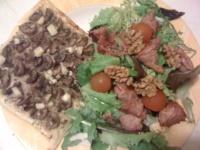 Tartelettes aux champignons et salade de mesclin au sot s'y laisse