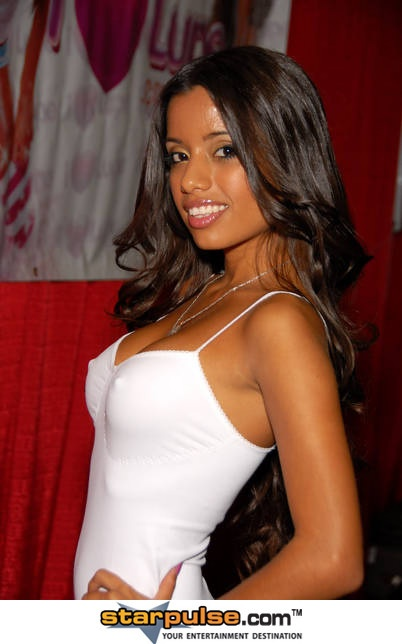 Lupe fuentes litle lupe first porn video - 5 4