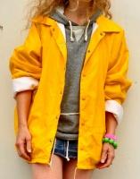 DSC_0905yellow rain coat 2