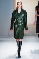 Fall winter 2013 Calvin Klein forest plaid vinyl bonded wool twill belted overcoat_CAL0120_450x675