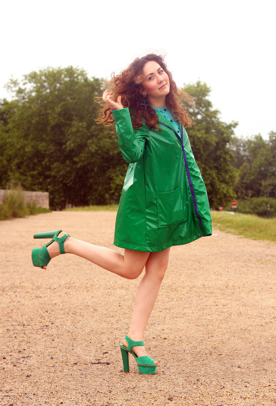georgiana boboc street style paris green asos rain coat topshop heels vintage traffic top blogs fren