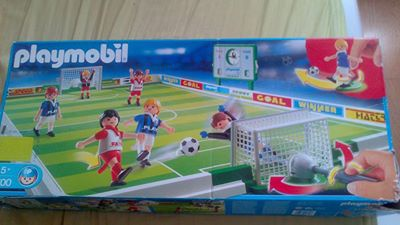 lollie jouets enfants playmobil  photo terrain foot