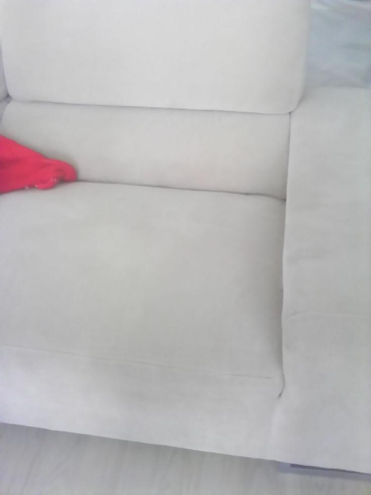 Comment nettoyer mon canap en tissus astuces pour la for Nettoyer canape tissu non dehoussable