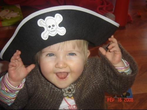 sarah chapeau (belle)