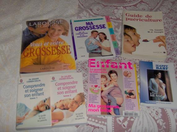 lot de livres de puericulture