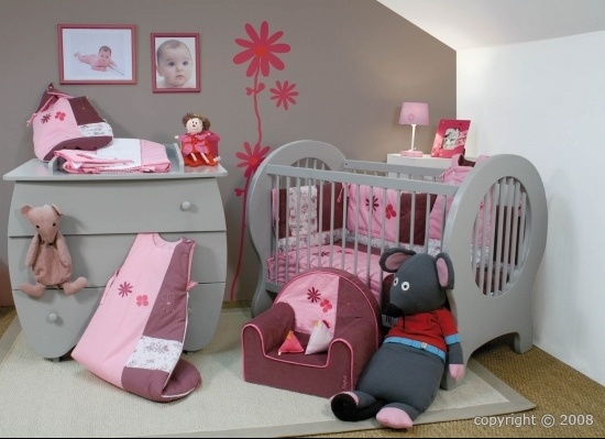 deco chambre bebe fille rose et taupe. Black Bedroom Furniture Sets. Home Design Ideas