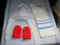 lot bonnet echarpe gant 2€