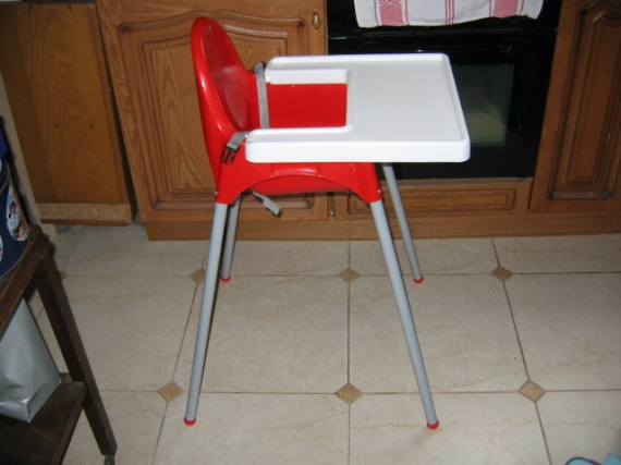 chaise haute ikea 6€