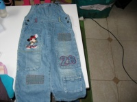 salopette en jeans mickey grand 4 ans 5€