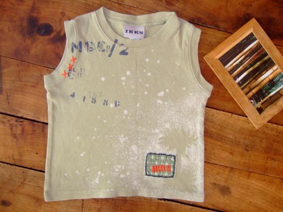 P79-2 ans T-shirt sans manche ikks (3,5€)