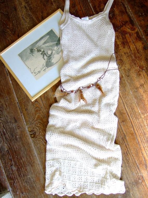 CC204- femme taille 36 Robe blanche et sa petite ceinture TBE (7€) RESERVE Leslie