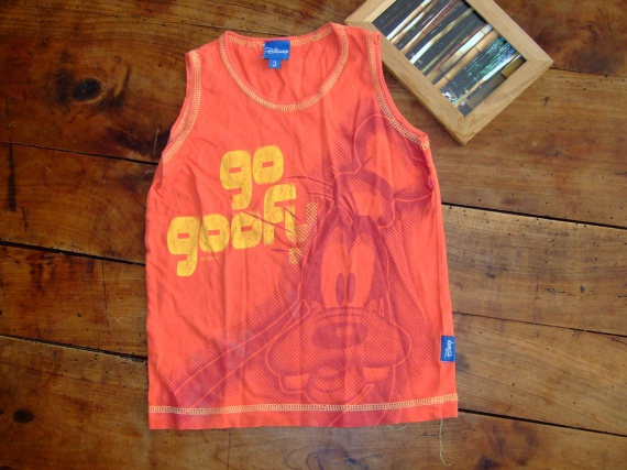 SC24- 3ans t-shirt sans manche disney (2€)