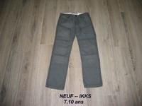 NEUF -- Jean IKKS T.12 ans (indiqué 10 ans mais taille très grand) -- 20€