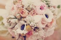 fleurs bouquet-mariee-rononcules-anemones-succulentes