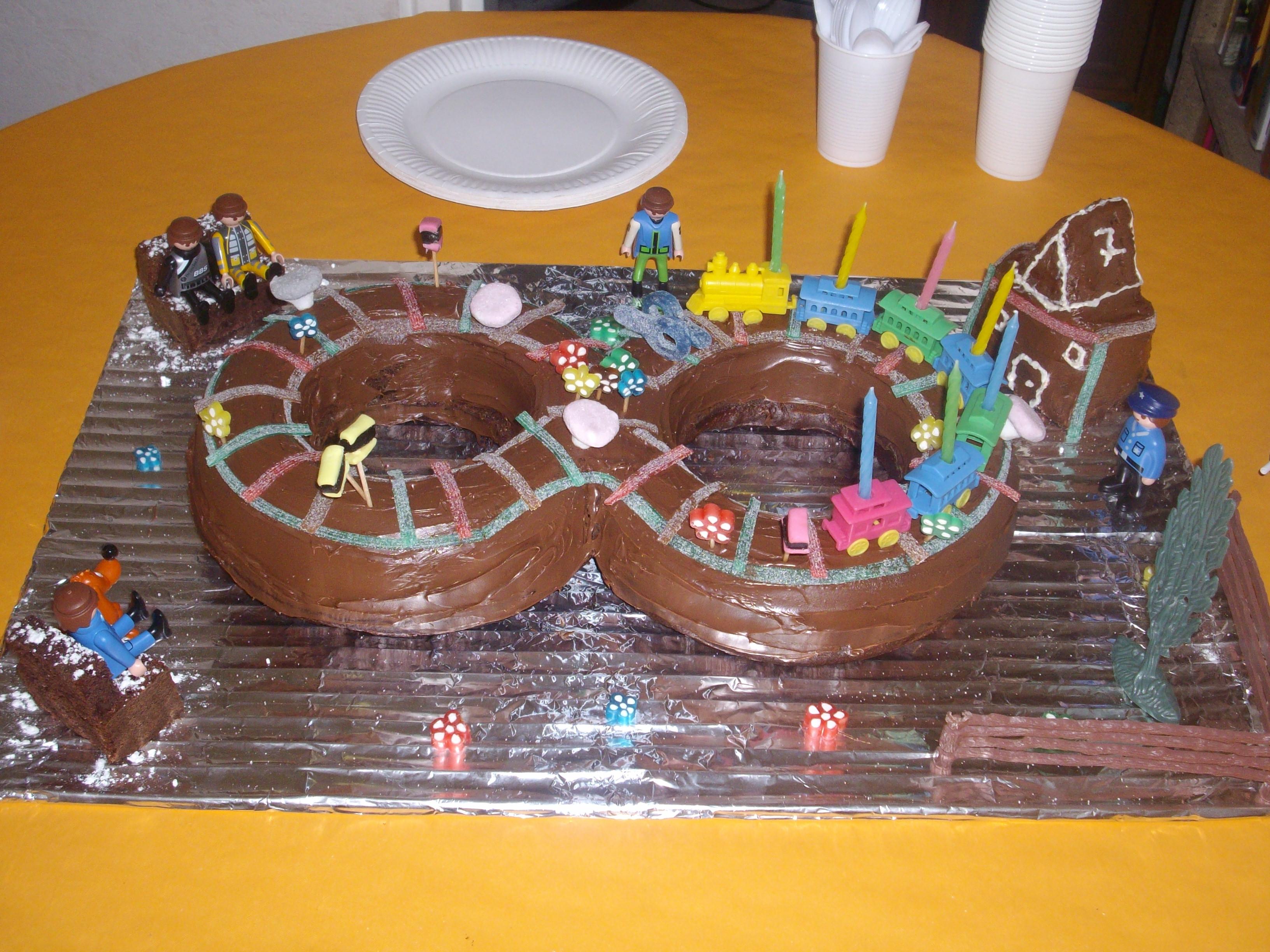 Gateaux anniversaire 8 ans secrets culinaires g teaux et - Gateau anniversaire 4 ans ...