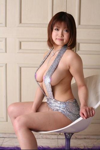 akari-Japanese-gravure-busty-idol-bikini-7[1]