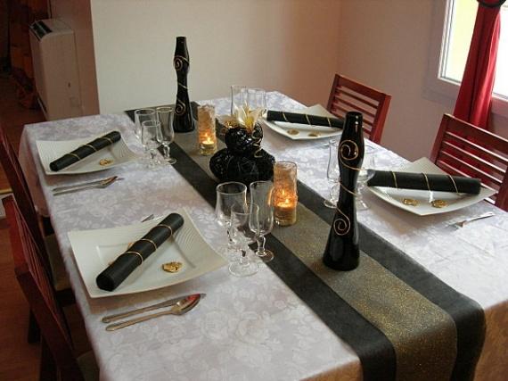 decoration de table noir et or 14 diverses deco tables. Black Bedroom Furniture Sets. Home Design Ideas