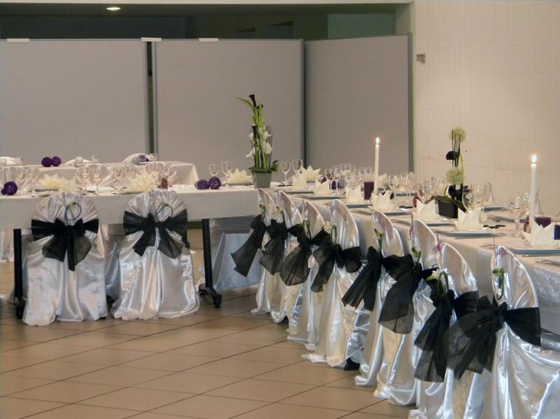 Mariage noir violet1 diverses deco tables pri y for Decoration noir et blanc