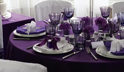 10 idees theme de mariage table violet vignoble vigne - Chemin de table violet ...