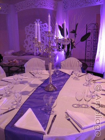 Big ameliage wedding planner paris decoration mariage theme violet et argent chemin table violet - Deco mariage violet ...