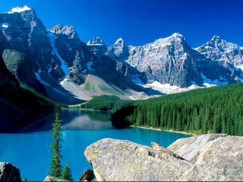 Montagne sul lago1