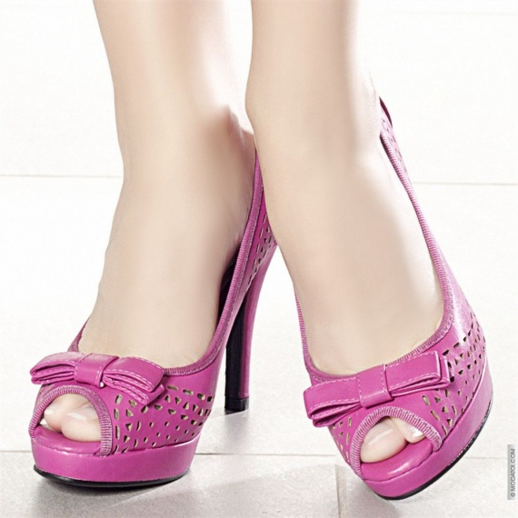 http://a.imdoc.fr/1/mariage/mariage-school-rock/photo/5588482558/18564362108/mariage-school-rock-chaussures-img.jpg