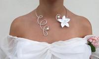 mariée- collier- fleur- blanche- parure