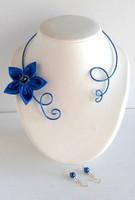 collier bleu roi fleur