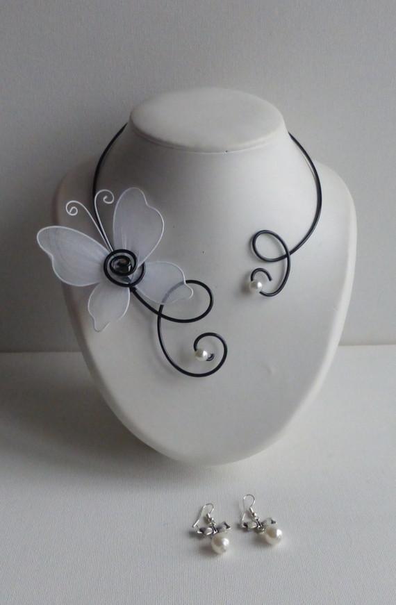 collier mariage papillon blanc