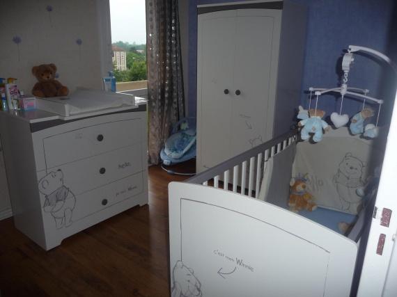 Chambre winnie aux couleurs douces besoin d 39 id es pour for Deco ourson chambre bebe