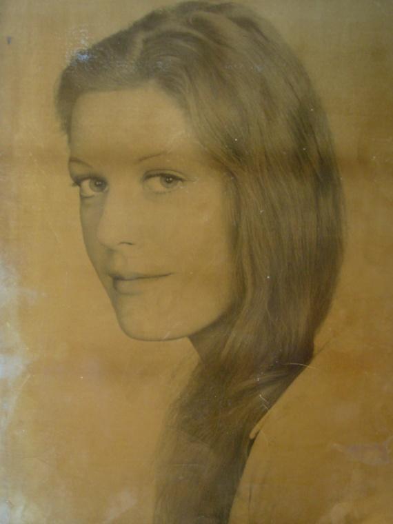 Ma mère, une très jolie jeune femme