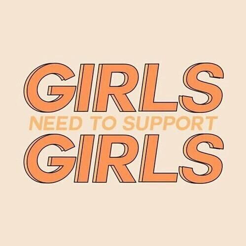 Girls - Filles -Femmes - Sexe Féminin - Sexe à recevoir - à donner