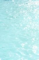 l'eau de la piscine