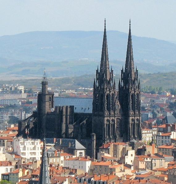Cathedrale_vue_de_montjuzet_detail