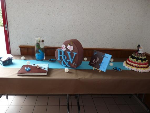table urne livre d'or piece montée de bonbons
