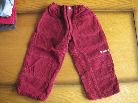 pantalon velours rouge 1.5 euros