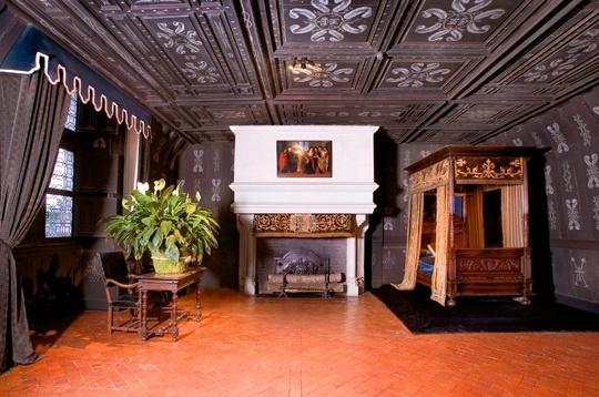 Chateau de chenonceau chambre de louise de lorraine for Chateau chenonceau interieur