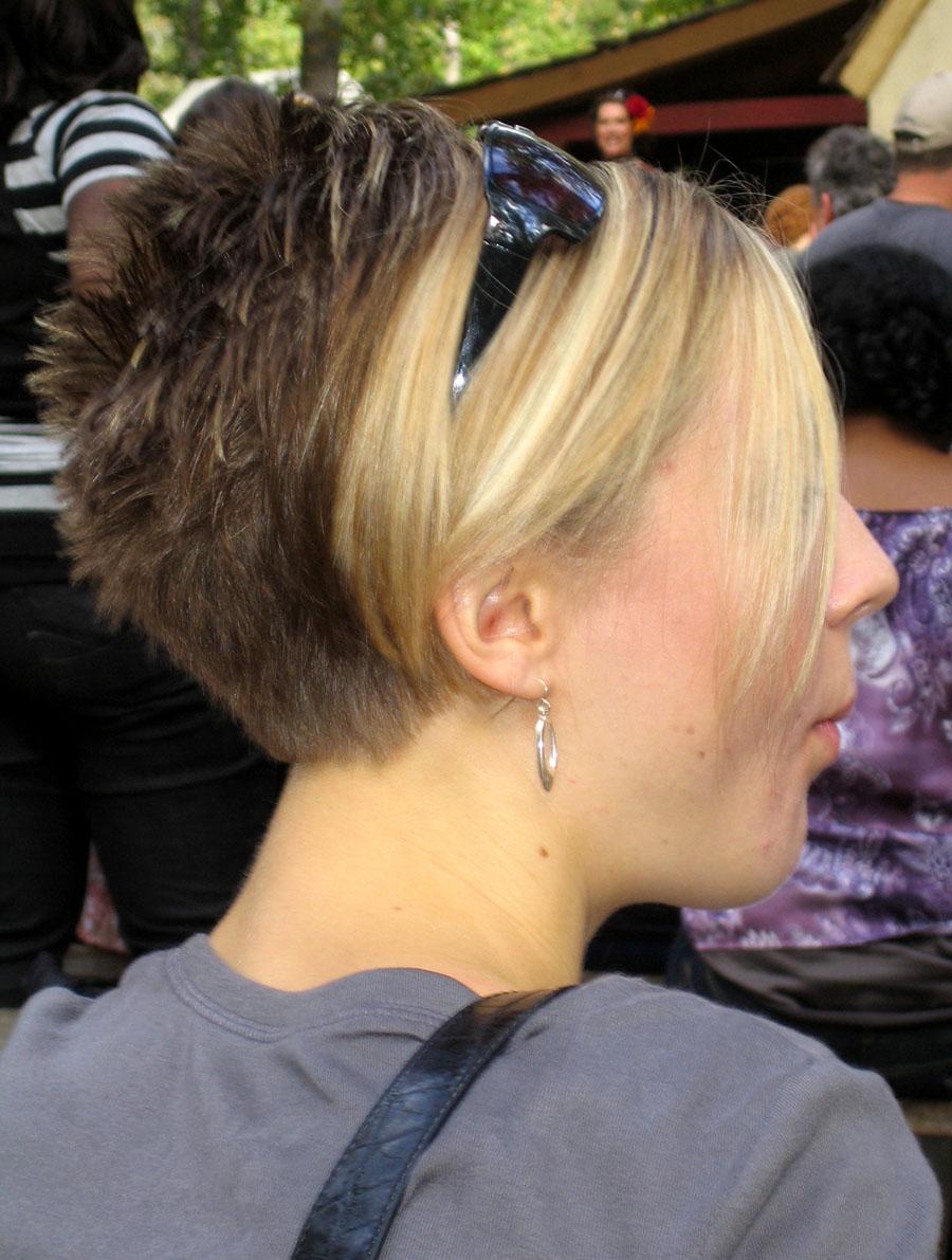 Coupe de cheveux court pour cheveux epais