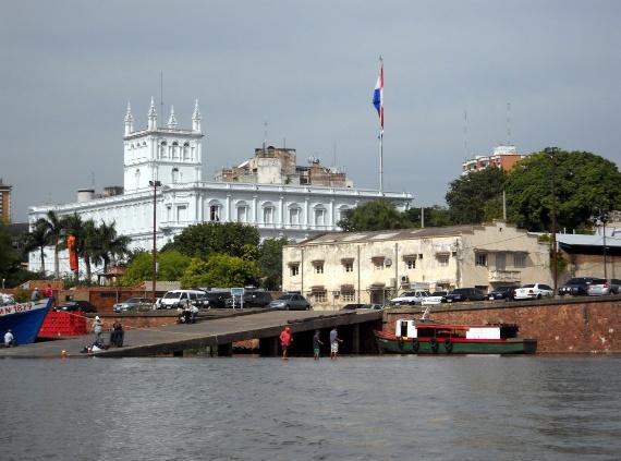 Asuncion - Le port et le palais présidentiel
