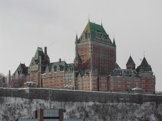 Québec - Le château Frontenac vu du Saint-Laurent