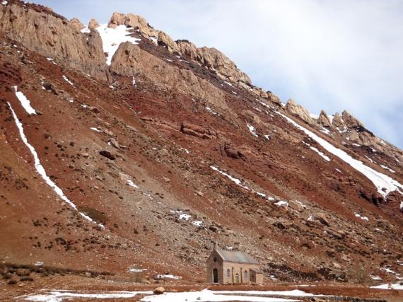 Chapelle au pied des Andes, à Puente del Inca