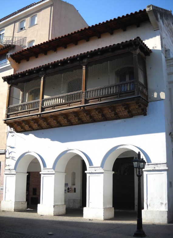 Salta - Balcon colonial, sur la Plaza 9 de Julio