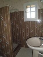 Salle de bain du bas avant