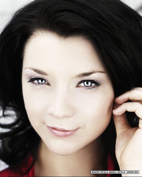 Natalie Dormer (33)