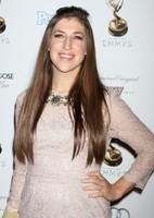 mayim-bialik-64th-primetime-emmy-awards-performers-nominee-02