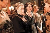 7794865951_une-partie-des-femmes-de-la-famille-crawley-les-heroines-de-downton-abbey