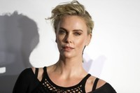 CHARLIZE THERON (27)