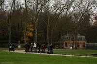 promeneurs ridicules à Versailles