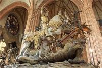 St Georges terrassant le dragon, statue de bernt notke (1489)