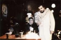 Gabriel mène la vie dure à Abarcadon in l'excellent film de Balasko Ma vie est un enfer